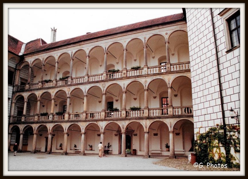 chateaujindrichuv-hradecscadre