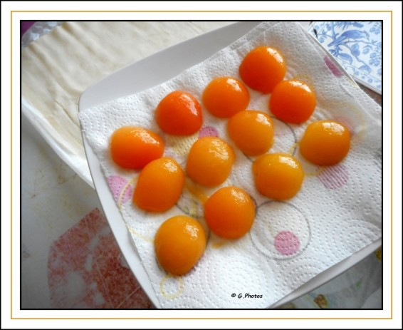 2. Égoutter les abricots